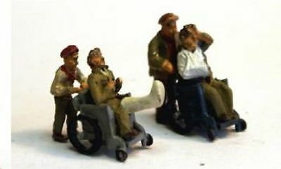 LANGLEY MODELS F288 1:76 OO SCALE 2 Wheelchairs & Patients & 2 figures pushing
