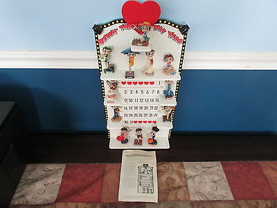 Zz1705 Danbury Mint Betty Boop Perpetual Calendar With Figurines Excellent Cond