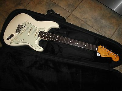 """Fender """"John Mayer"""" Stratocaster Electric Guitar - Olympic White - Exc. Cond."""