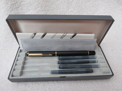 Vintage Boxed Parker Black And Gold Plate Fountain Pen