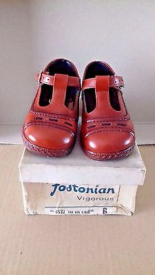 Vintage Pair Of Children's Fostonian Tan Shoes Size 6