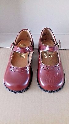Vintage Pair Of Children's Finn Brown Shoes Size 5 - 21 1/2