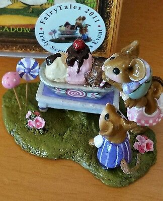 "Wee Forest Folk M-189z ""A Cherry on Top"" FAIRY TALES SPECIAL EDITION 2011 Mint"