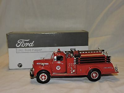 Texaco Gasoline First Gear 1951 Ford Pumper Fire Truck 1/34 Die-Cast