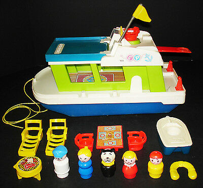 Vintage Fisher-Price Little People Play Family Happy Houseboat #985