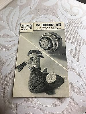 Bestway Knitting Pattern - Two Cuddlesome Toys - Vintage