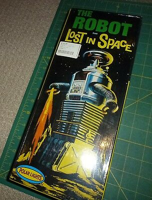 Polar Lights The Robot From Lost in Space - NIB