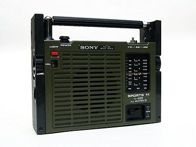 Vintage SONY Transistor Radio SPORTS 11 - Military Look olivgrün