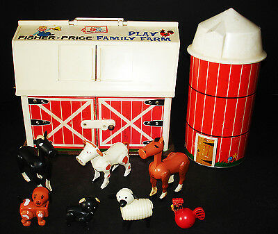 Vintage Fisher-Price Play Family Farm Barn #915 With Silo