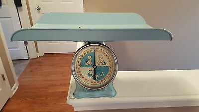 Vintage American Family Baby Nursery Scale Blue  Good Condition