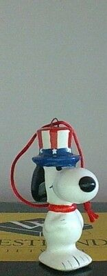 Vintage Peanuts Snoopy AmerIcan Ceramic Christmas Ornament Excellent Condition
