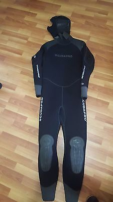 Wet suit  7mm for scuba diving