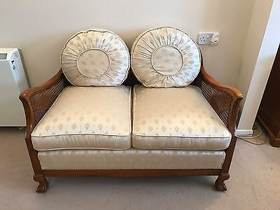 Stunning Antique Bergere Suite In Great Condition
