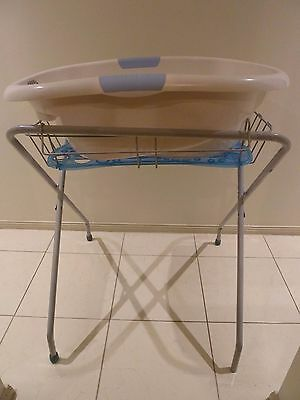 Baby bath tub with stand - Roger Armstrong