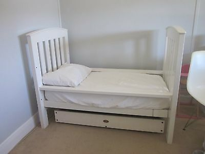 White Boori Cot/Toddler Bed, Draw and Change Table