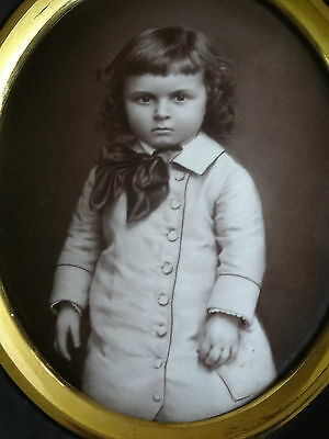 LOVELY 19thc MINIATURE OVAL PORTRAIT PAINTING PICTURE OF A LITTLE VICTORIAN BOY