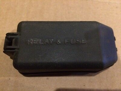 98 99 00 01 02 1998-2002 Toyota Corolla Relay & Fuse Box Lid Cover Engine Bay