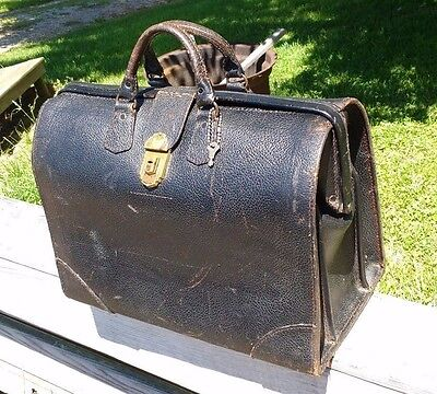 Vintage LEATHER DOCTOR BAG WITH KEY
