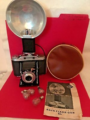 AGFA ISOLETTE Vintage camera With AGFA FLASH ATTACHMENT WithIt's case