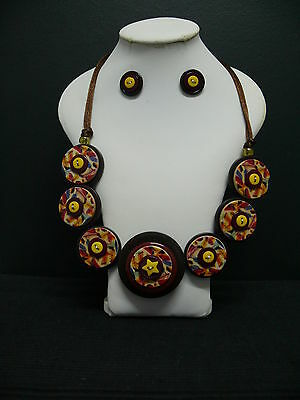 """REDUCED -  Ladies """"Feather"""" 56cm Button Necklace & Stud Earrings"""