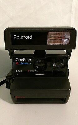 Polaroid One Step Close Up, Vintage Instant Camera. Missing film shield.
