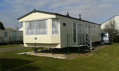 8 berth caravan to hire in Mablethorpe. Sat 1st July Dog friendly