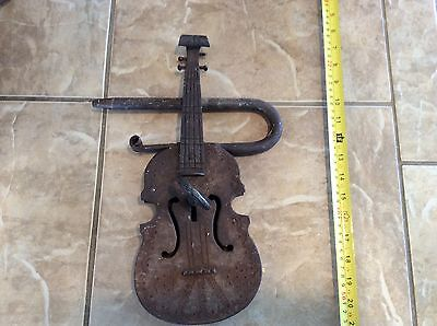 Antique Violin Cast Iron GATE Lock And Key