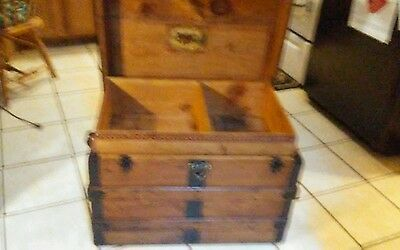 1800's Antique Flat Top Steamer Trunk Chest has lift out tray