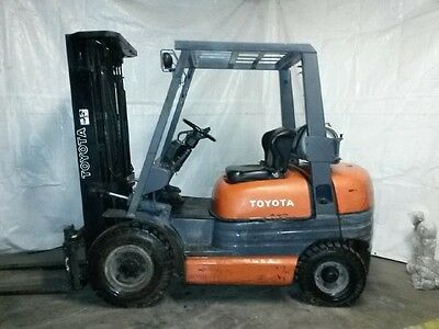 Toyota 5000 lb AIR Pneumatic tire forklift 3 Stage LP 6FG25 ONLY 6653 HOURS!!