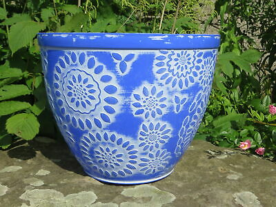 Stone Lite Chengdu Round Planter, Colour: Dark Blue/White