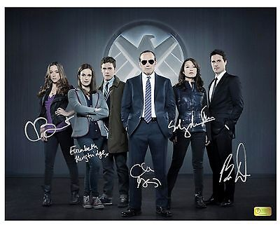 "AGENTS OF SHIELD CAST SIGNED 11"" x 14"" PHOTO CELEBRITY AUTHENTICS Prop Replica"