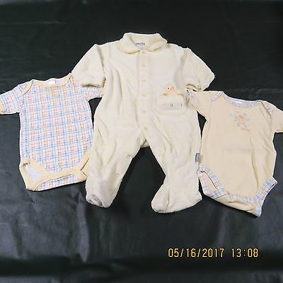 Carters Baby LOT Boy Girl Neutral 3 6 M Months Yellow Body Suits Footed Sleeper