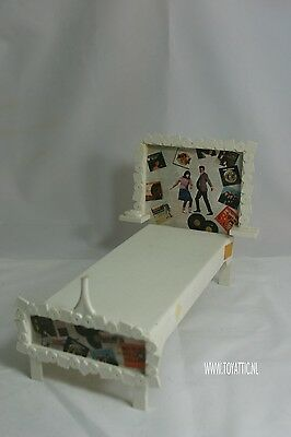 Barbie Francie bed mod a go-go made by Suzy Goose in 1966 hard to find!!