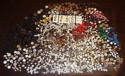 Big Mixed Lot Old Vintage Modern Buttons Shell Pearl Plastic Some Italy Cards