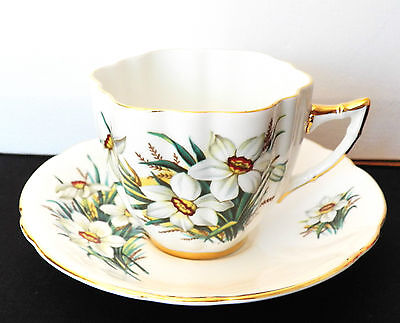 Vintage Collectible Windsor Bone China Cup & Saucer White Daffodils X1788/86 1-