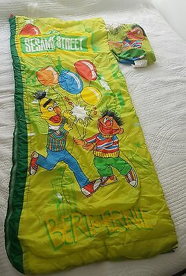 Vintage 1970s Sleeping Bag~Sleepmaster Quilted Sesame Street Muppets Retro CTW