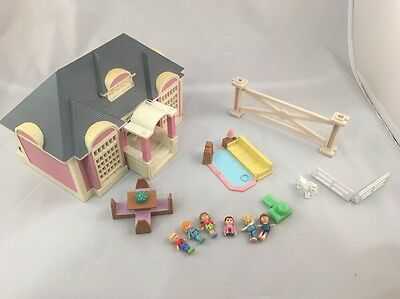 Vintage Polly Pocket Galoob House 1994  And BlueBird Figures