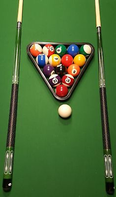 John West Billard Set - Kugeln + Triangel + 2 hochwertige Queues JW-2