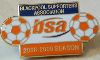 BLACKPOOL FC SUPPORTERS ASSOCIATION No643 Badge Brooch pin In gilt 29mm x 16mm
