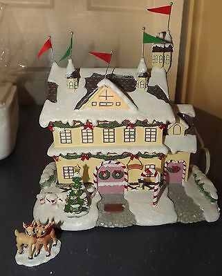 Hawthorne Village Rudolph's Christmas Town SANTA AND MRS CLAUS CASTLE w lights