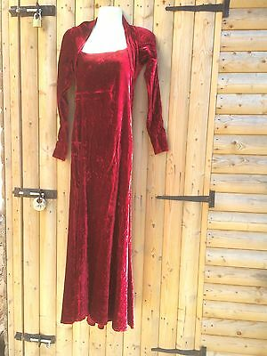 Red Stretch Velvet Size10/12 Dress Medieval Cosplay Queen