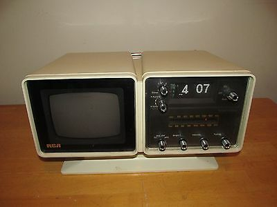 RCA Space Age TV Radio Clock AT 059Y Television Retro