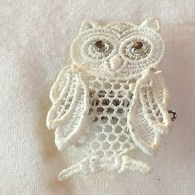 Vjntage Mid Century Handmade White Lace Owl Glass Brooch Pin Wedding Bridal 18in