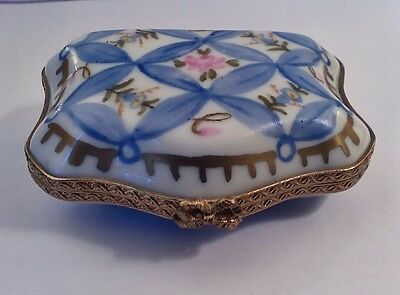 Peint Main Limoges France Porcelain  Trinket Box, Signed and Hand Painted
