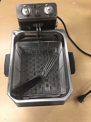 Waring WDF1500B 15 lb. Commercial Countertop Deep Fryer - 208V/60