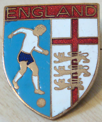 ENGLAND Very rare vintage shield type badge Brooch pin In gilt 27mm x 32mm
