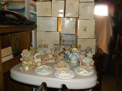 Lot of 17 Enesco Cherished Teddies Bear Figurines With Boxes
