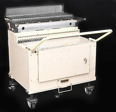 Fuji IP2 IP3 Pneumatic Industrial 87-Slot PCB Assembly Pick and Place Machine