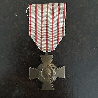 Bronze Ww1 French Croix Du Combattant Medal