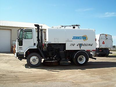 "2003 JOHNSTON 770 STREET SWEEPER ""only 27K miles"" FC70 TRUCK CUMMINS DIESEL"